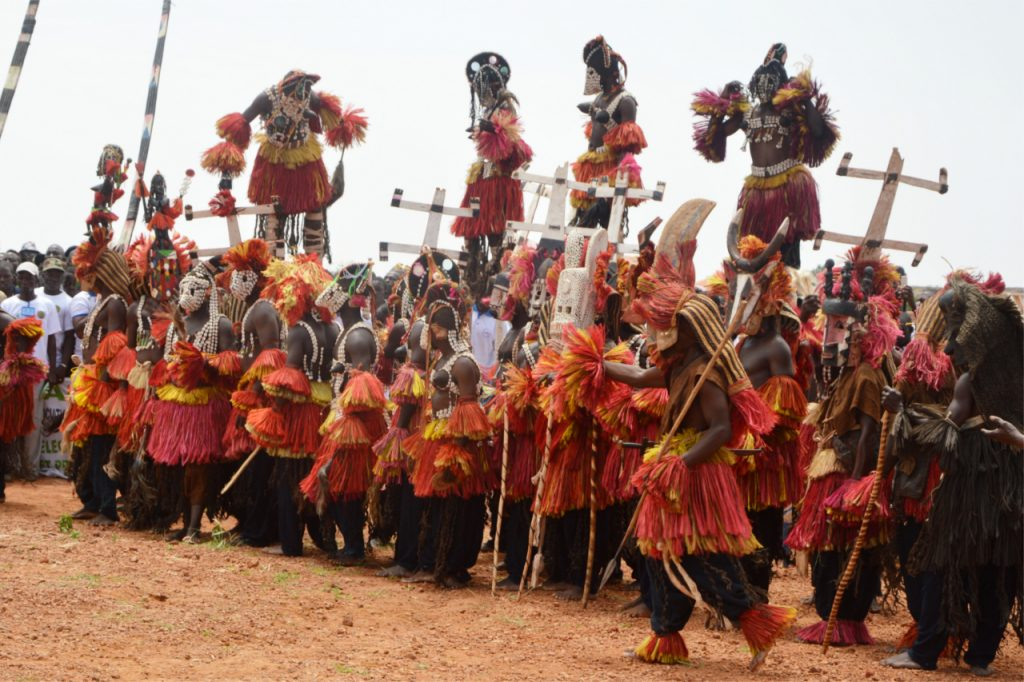 Taniec w maskach - Plemię Dogonów
